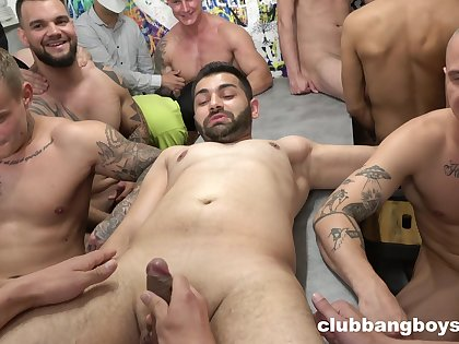 A bunch of males for the horny gay lovers