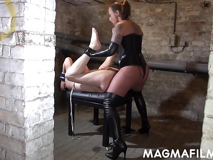Jenna Joy gets off on pegging men and she is great in ergo many ways